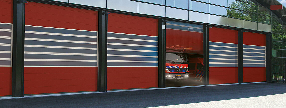 Industrie-Sektionaltore Feuerwehr